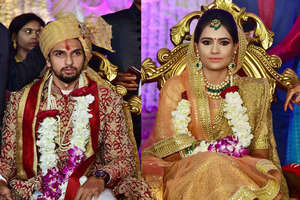 क्रिकेटर ईशांत शर्मा की शादी में युवराज और धोनी बने बाराती, देेखें तस्वीरें