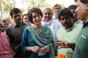 प्रियंका में इंदिरा की झलक यूं ही नहीं देखते लोग, प्रचार का ये अंदाज बनाता है खास!