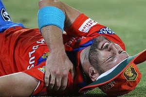 IPL-10: फील्डिंग के दौरान एंड्रयू टाई हुए चोटिल, स्टेचर पर ले जाना पड़ा बाहर