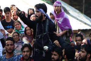 सबजार के जनाजे में खुलेआम शामिल हुए आतंकी, लगाए भारत विरोधी नारे