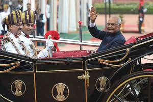 PHOTOS: जब बग्घी पर सवार हुए राष्ट्रपति रामनाथ कोविंद...