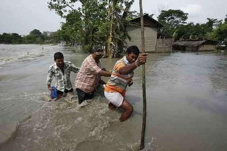 <a href='http://khabar.ibnlive.in.com/photogallery/3859/'> <font color=red>देखें: असम में बाढ़ के पानी ने मचाई कैसी तबाही  </font></a>