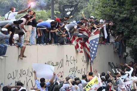 लीबिया में अमेरिकी राजदूत की हत्या, 3 अन्य की मौत <a href='http://khabar.ibnlive.in.com/photogallery/3814/'><font color=red>फोटो</font></a>