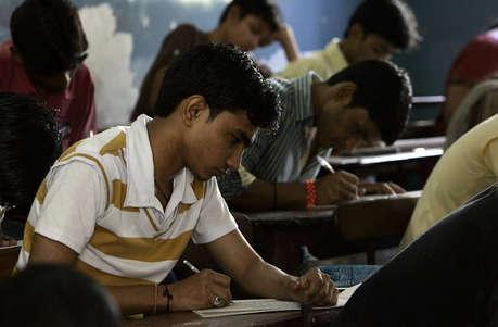 फिर शुरू होंगे 10वीं के बोर्ड इम्तिहान, खत्म होने से गिरा शिक्षा का स्तर