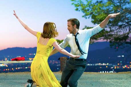 गोल्डन ग्लोब अवॉर्ड में छाई फिल्म 'ला ला लैंड', मिले 7 अवॉर्ड
