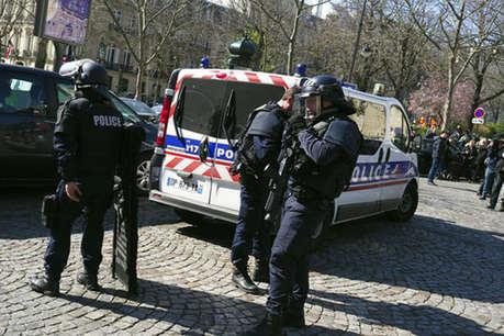 फ्रांस फिर दहला: आईएमएफ में फटा लेटर बम, स्कूल में फायरिंग
