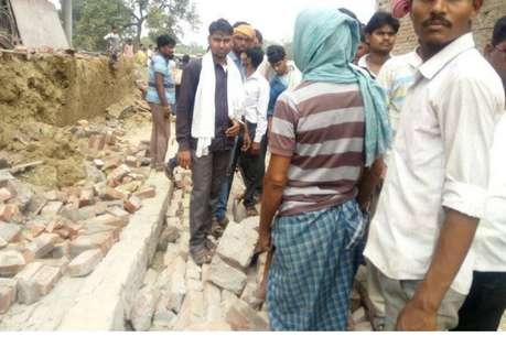 काशी में निर्माणाधीन मकान का गिरा छज्जा, 3 मजदूरों की मौत