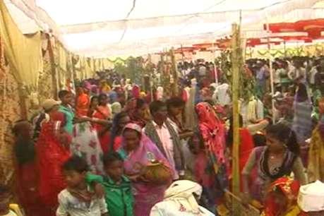 आदिवासी समाज को जागरूक कर रहा है आदर्श सामूहिक विवाह