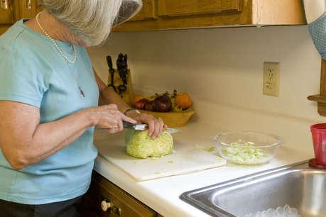 ऑफिस के साथ-साथ किचन संभालना इतना मुश्किल भी नहीं है, बस अपनाए ये तरीके
