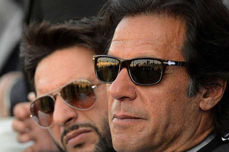 इमरान ने की पाकिस्तानी टीम की तारीफ, कहा 'सुपर पॉवर' से बेहतर करने की है काबिलियत