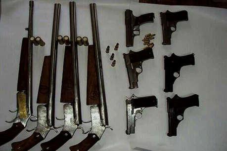 अवैध हथियार: कार हेडलाईट्स व डुप्लीकेट फ्युल टंकी में होती है तस्करी!