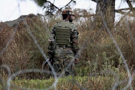 कश्मीर: सुरक्षाबलों ने 10 मिनट में मार गिराए लश्कर कमांडर सहित तीन आतंकी