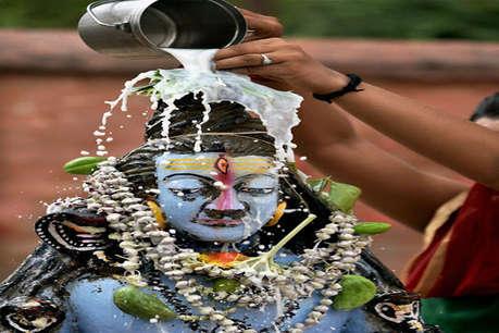 मुस्लिम महिला ने बनवाया शिव मंदिर, महामृत्युंजय जाप के साथ करती हैं जलाभिषेक