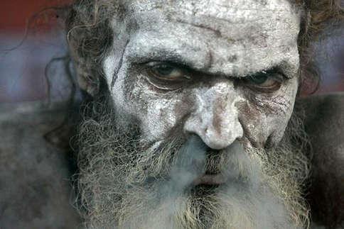 कहां से आते हैं, कहां चले जाते हैं...? जानिए नागा साधुओं का रहस्य