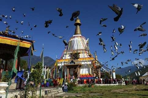 हिमालय की गोद में बसा है भूटान, जानें 25 बड़ी बातें
