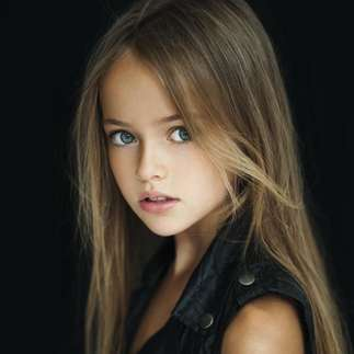 10 साल की इस मॉडल को कहा जा रहा है दुनिया की सबसे खूबसूरत लड़की!