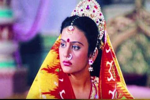 देखें: कहां हैं और क्या कर रही हैं रामायण की