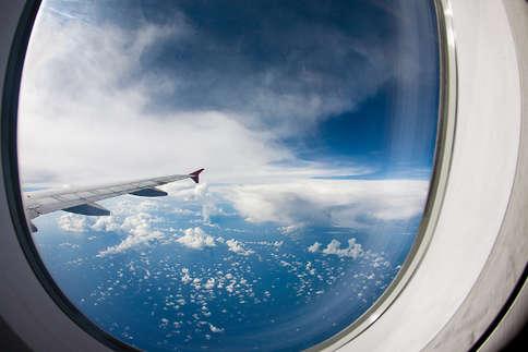 हवाई जहाज की खिड़कियां क्यों होती हैं गोल?