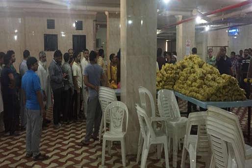 जेद्दा में भूख से तड़प रहे 800 बेरोजगार भारतीयों तक सुषमा ने पहुंचाया खाना