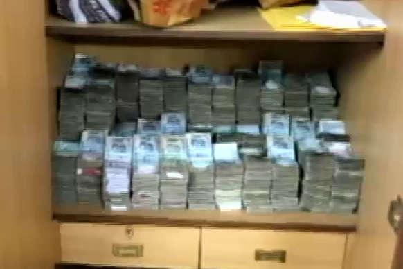 दिल्ली: अब लॉ फर्म से जब्त किए गए 10 करोड़ रुपये में 2.5 करोड़ के नए नोट