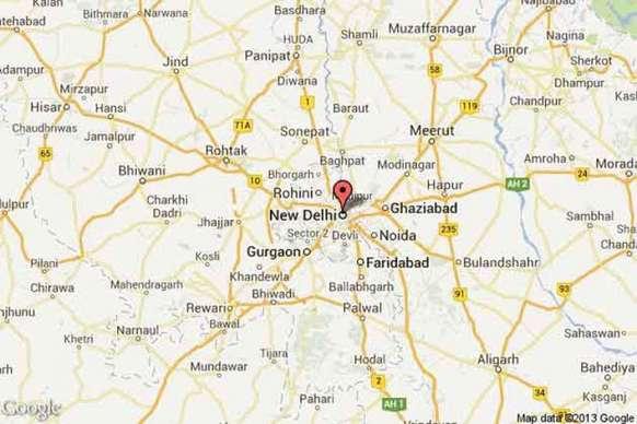 दिल्ली: चांदनी चौक के कपड़ा बाजार में लगी आग