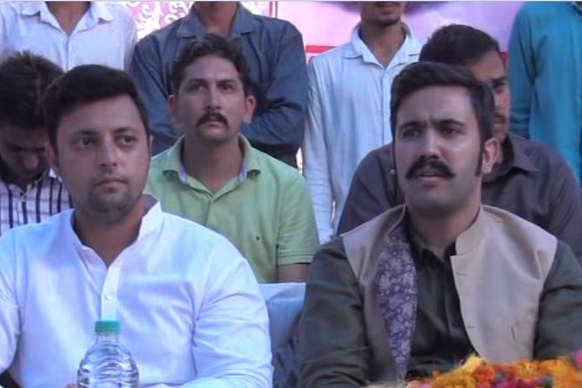 कांग्रेस पार्टी के लिए दो राजनीतिक प्रतिद्वंदियों के बेटे जय-वीरू बनने को तैयार
