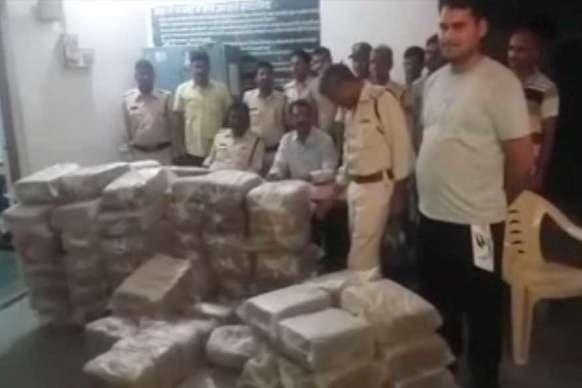 लावारिस वाहन से पांच किलो गांजा बरामद, जांच में जुटी पुलिस