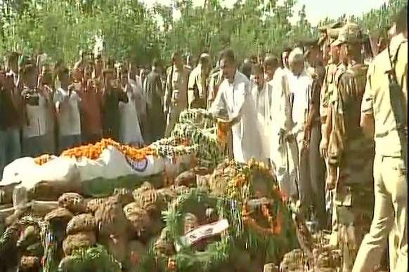 नम आंखों से शहीद जयद्रथ सिंह हुआ अंतिम संस्कार, उमड़ा जनसैलाब