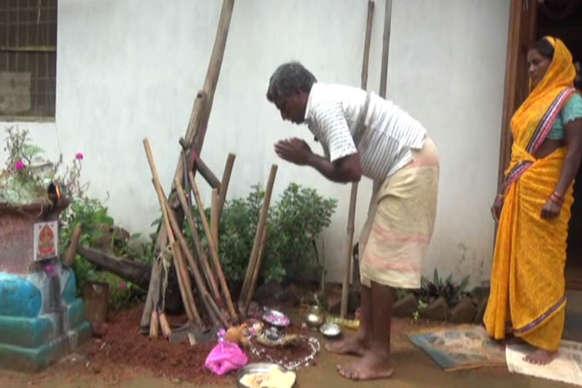 किसानों का लोक पर्व 'हरेली', खेती में काम आने वाले उपकरणों की होती है पूजा
