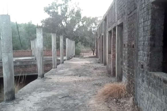 कस्तूरबा गांधी बालिका आवासीय विद्यालय के जांच के आदेश, निर्माणकार्य अधूरा