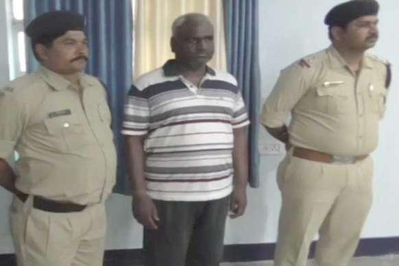पुलिस के हत्थे चढ़ा छह साल से फरार बदमाश