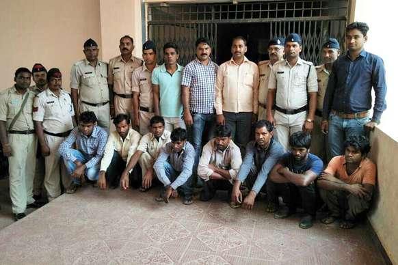 11 भाइयों के चोर गिरोह से पुलिस ने बरामद किया 3 ट्रैक्टर माल!