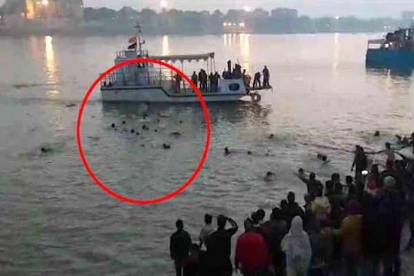 पटना नाव हादसे में 5 अधिकारियों पर गिरी गाज, 24 लोगों की गई थी जान