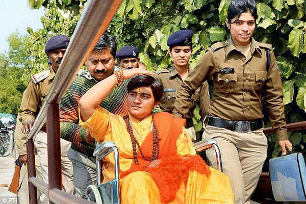 कांग्रेस ने लिखी थी भगवा आतंकवाद की स्क्रिप्ट: साध्वी प्रज्ञा सिंह