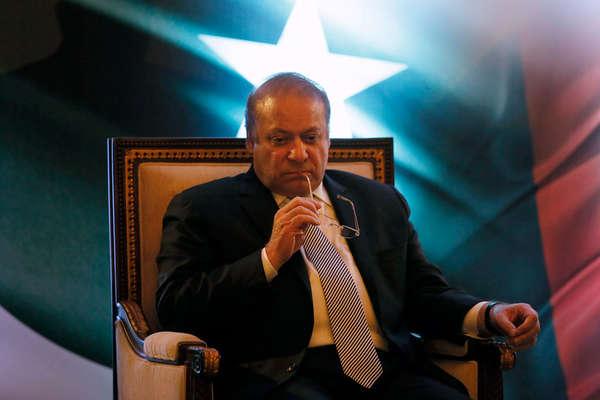 LIVE: पाकिस्तान के पीएम नवाज शरीफ को सुप्रीम कोर्ट ने किया बर्खास्त