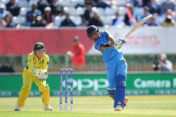 LIVE WWC INDvsAUS: हरमनप्रीत की रिकॉर्ड पारी, ऑस्ट्रेलिया को 282 रन का टारगेट