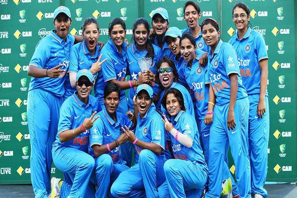 विश्व  कप जीतो भारतः एकता के घर पूजा-पाठ, मानसी के घर प्रार्थनाएं