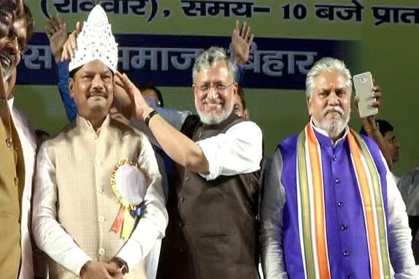 झारखंड के CM रघुबर बोले- नीतीश सरकार का रिमोट लालू के पास