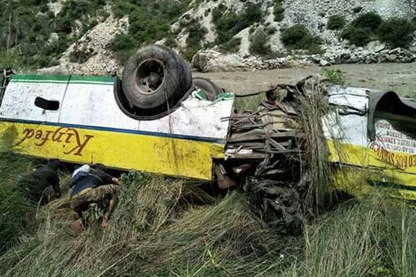 रामपुर में नदी में गिरी यात्रियों से भरी बस, 28 की मौत
