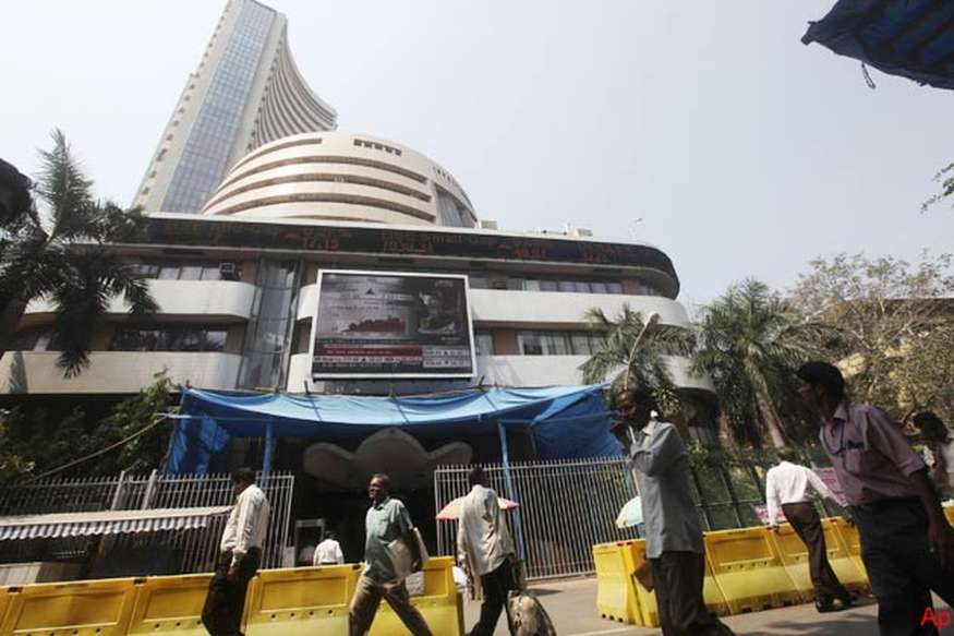 मिले-जुले रुख के साथ बंद हुआ शेयर बाजार