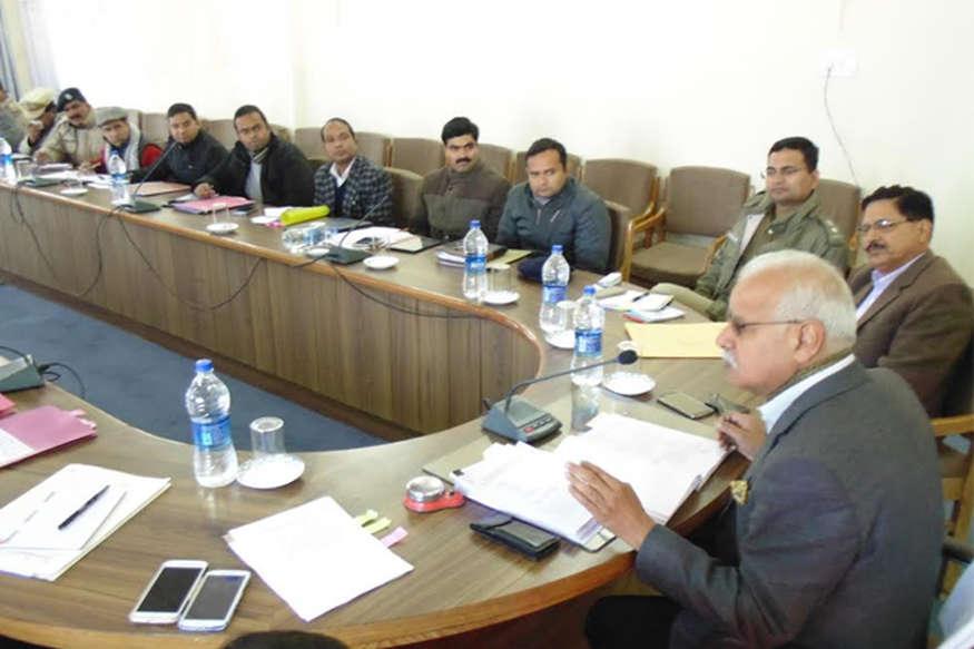 गढ़वाल आयुक्त ने ली मंडल के सभी अधिकारियों की बैठक