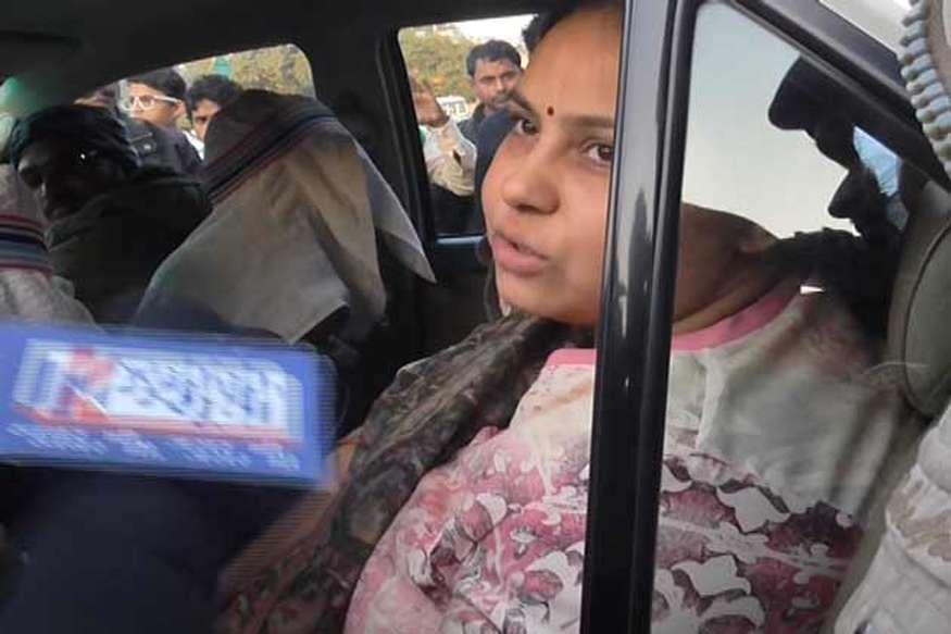 प्रकाशोत्सव में लालू प्रसाद को जमीन पर बैठाने की मीसा भारती ने की कड़ी निंदा