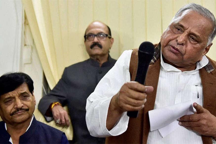 रामगोपाल अपने लड़के और बहू के कहने पर तोड़ रहे हैं समाजवादी पार्टी: मुलायम