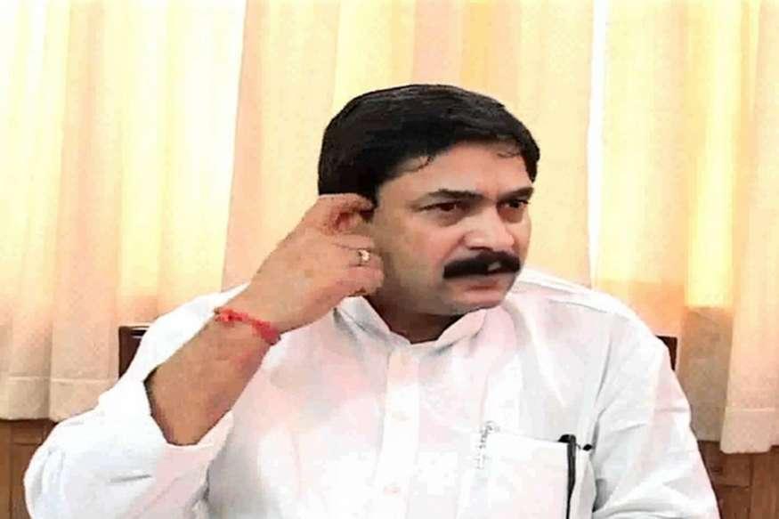 राज्यमंत्री विजय मिश्रा की विधायकी पर उठे सवाल, हाईकोर्ट ने डाक मतपत्रों की गणना के दिए आदेश