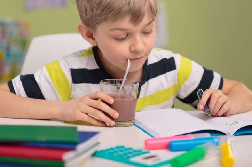बच्चों के पंसदीदा रंग बताएंगे कैसी है उनकी पर्सनैलिटी