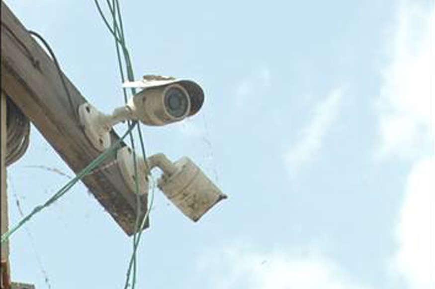 नियम तोड़ते ही गाड़ी का नंबर कैमरे में हो जाएगा कैद, 'तीसरी आंख' से हो रही निगरानी