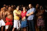 e lounge: SRK promotes Chennai Express for its television premiere