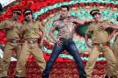 Salman Khan performs his famous Dabangg 2 moves during the awards night.