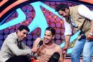 Ajay Devgn promoted his upcoming film 'Himmatwala' on the sets of 'Nach Baliye 5'. The film's director, Sajid Khan is the judge of the show.