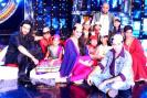 If Sonakshi Sinha and Imran Khan have been busy promoting their upcoming film 'OUATIMD' on the sets of 'Indian Idol Junior', Aamir Khan got emotional when he attended Godrej Campaign, and Akshay Kumar-Twinkle Khanna were snapped during their recent outing. Read on to know what your favourite stars have been busy with.